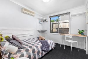 Boutique Private Rm 7 Min Walk to Sydney Domestic Airporta - SHAREHOUSE