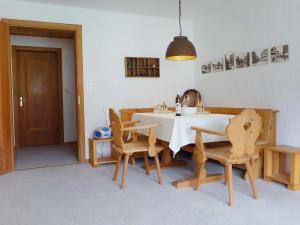 Apartment Chesa Champagna B - Hotel - Zuoz