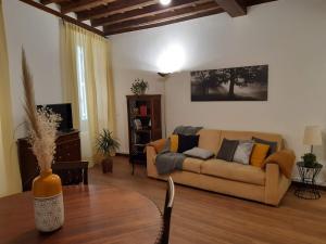 Chroma Italy - Vicolo Antico Apartment - abcRoma.com