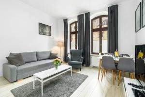 Apartments City Center Saint Wojciech by Renters