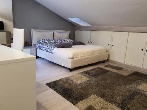 LA GHIBELLINA. confortevole,posizione privilegiata - AbcAlberghi.com