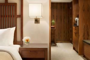 Shangri-La Hotel, Vancouver (13 of 130)