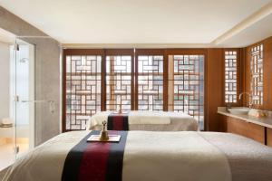 Shangri-La Hotel, Vancouver (39 of 130)