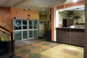 Room in Lodge - Golphin Suites-apartment