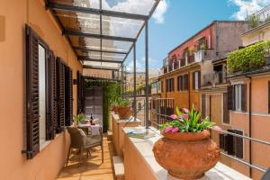 Lovely Home Spanish Steps with Balcony - abcRoma.com