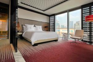 Four Seasons Hotel Shanghai at Pudong (30 of 34)