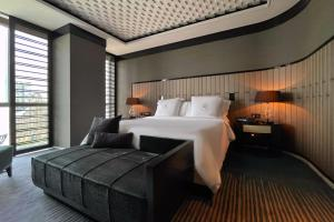 Four Seasons Hotel Shanghai at Pudong (31 of 34)