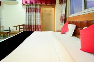Capital O 2521 Hotel The Vinayak