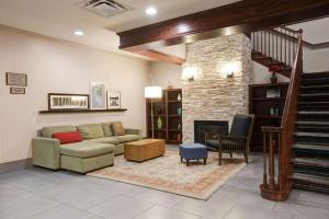 Comfort Inn & Suites St. Paul Northeast
