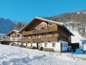 Apartment Bauernhaus Schusterhäusl (MHO773) - Hotel - Schwendau