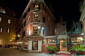 Hotel La Fenice et Des Artistes - AbcAlberghi.com