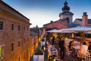 DOM Hotel Roma - Preferred Hotels & Resorts - AbcRoma.com