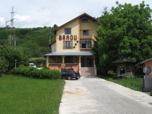 Pensiunea BRADU - Hotel - Piatra Neamţ