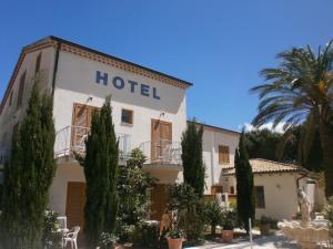 Hotel La Bastide, Hotely  Le Lavandou - big - 43