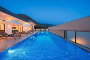 Villa Corleone-Modern Villa with Jacuzzi in Kalkan - Hotel - Kas