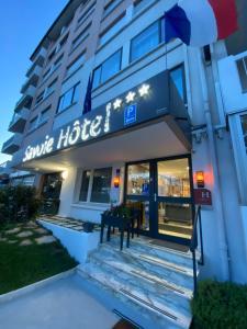 Savoie Hotel aux portes de Genève - Saint-Julien-en-Genevois