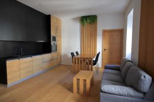 Cirus apartments