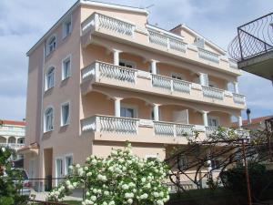 Rooms and Apartments Ana - Zadar