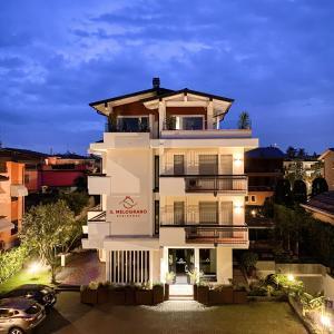 Residence Il Melograno - AbcAlberghi.com
