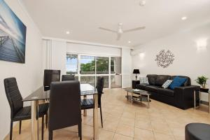 Marlin Waters Beachfront Apartments, Aparthotels  Palm Cove - big - 2