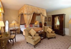Hallmark Hotel Flitwick Manor (2 of 34)