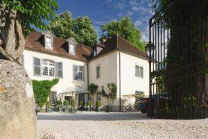 Location gîte, chambres d'hotes Chateau De Germigney dans le département Jura 39
