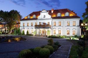 Pałac Czarny Las (50 km od Katowic)
