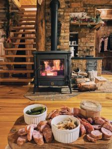 Drewniana Chata Latoś Całoroczny domek klimatyczny z kominkiem