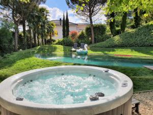 Montreux Rotana Garden House w..