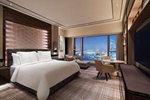 Four Seasons Hotel Hong Kong (2 of 81)