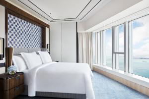 Four Seasons Hotel Hong Kong (14 of 81)