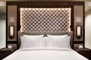 Four Seasons Hotel Hong Kong (17 of 81)