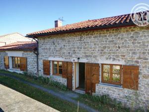 Accommodation in Essertines-en-Châtelneuf
