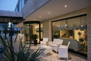 Hotel Granada, Отели  Милано-Мариттима - big - 35