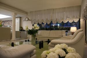 Hotel Granada, Отели  Милано-Мариттима - big - 29