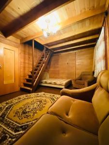 Փայտե Տնակ/Wooden House