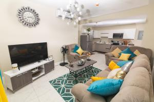 Luxurious 2 bed 2 bath apt in Kingston city center