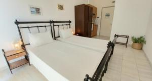 Koukounari 2 Rooms Agistri Greece