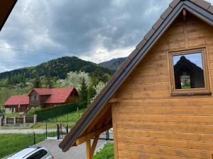 Nowe domki w górach Pod Skrzycznym koło Szczyrku