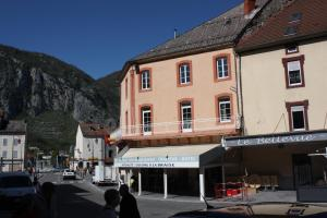 Accommodation in Tarascon-sur-Ariège