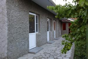 Vanand Guest House