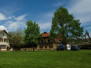 Gästehaus Dobernig - Hotel - Sankt Niklas an der Drau