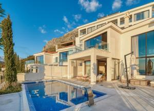 ANANTI Resort, Residences & Be..