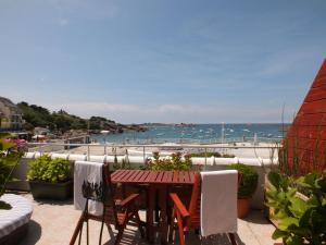 Location gîte, chambres d'hotes Hôtel - Restaurant - Salon de Thé Le Beauséjour dans le département Côtes d'Armor 22
