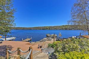 Grand Lakefront Home with Dock in The Hideout! - Hotel - Lake Ariel