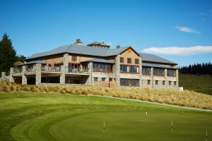 Terrace Downs Resort - Accommodation - Windwhistle