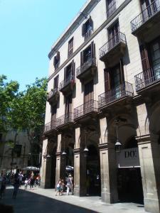 Colom Apartments