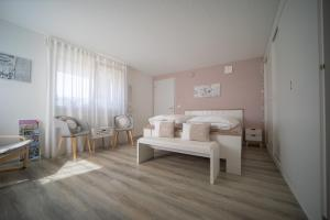 Studio Living... - Accommodation - Langnau