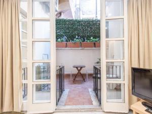 Regola Apartment Sleeps 6 Air Con WiFi - abcRoma.com