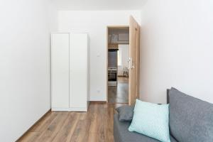 White Rooms Rentyear Apartments